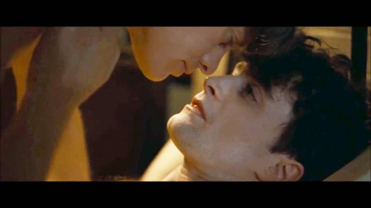 Cena de sexo gay do Daniel Radcliffe no novo filme (Passivo) + Pegada no pau
