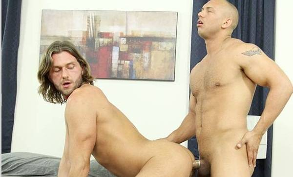 Vídeo gay: John Magnum comendo o cu do Lucas Knowles