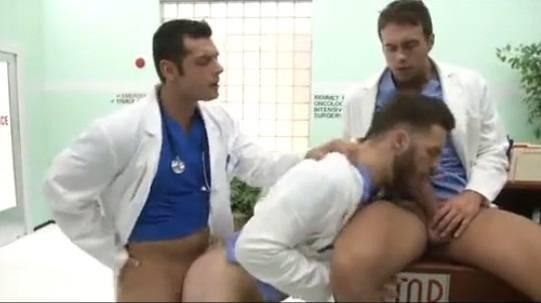 Gays anatomy: Enfermeiros fodem e gemem na recepção do Hospital