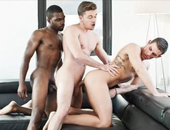 Lucas Knight e Taye Knight fodendo o rabo do Brent Alex