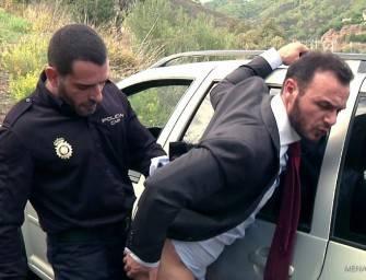 Policial corrupto abusou e fodeu o cu do macho
