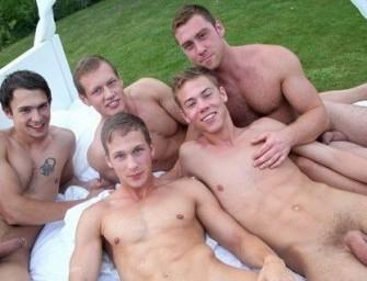 Cinco rapazes e muita putaria