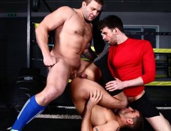 Safado dá pra colega de treino e pro treinador