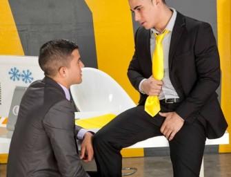 Joey Rios faz entrevista e dá o cu pro Topher DiMaggio