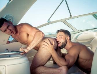 Abraham e Paddy O'Brien fodem gostoso numa lancha em Ibiza