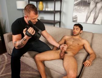 Austin Wolf entevista e faz mão amiga em novo pupilo da Randy Blue