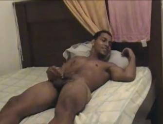 Carioca safadão gravando putaria amadora com putos