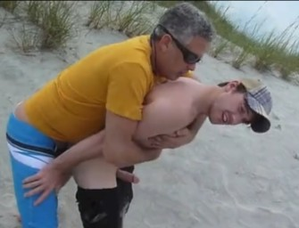 Pai e filho conquistam novinho para fode-lo loucamente