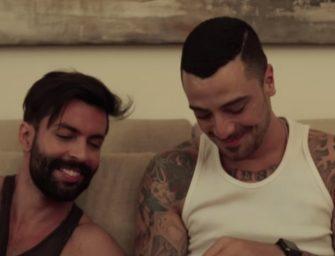 Cantor sertanejo lança primeiro clipe com casal gay; assista