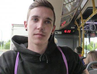 Caçador Checo encontra hétero safado na estação de metrô