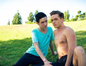 Correndo pro parque para ver os machos sem camisa