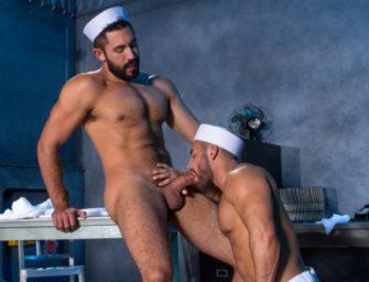 Marinheiros deixam papelada de lado para….