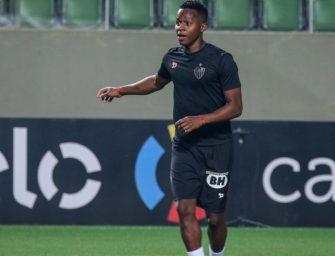 Fotos íntimas do jogador do Atlético Mineiro, Juani Cazares