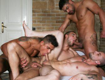 Diego e Wagner fodem com gringos em suruba gay