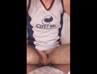 Novinho do CEFET mostra como é que se toma no cu bem gostoso