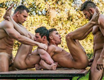 Curtindo uma tarde no parque com os amiguinhos