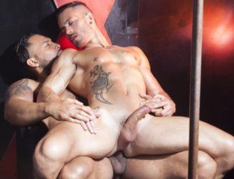 Andy Star mostra ao Viktor Rom como se dá o cu no Brasil