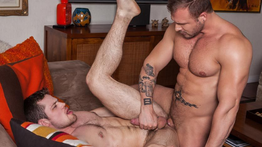 Hungry And Horny Gay Eats Muscle Cock