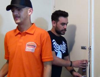 Deleite-se Com Pedro Barbudinho e Caio da Lanchonete