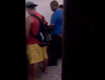 Curtindo uma safadeza com o desconhecido no banheirão de Salvador