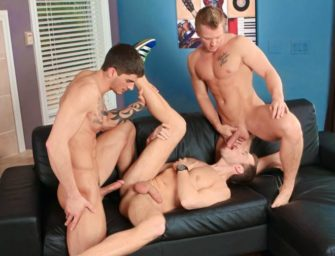 Tyler Torro comandando uma orgia intensa, gostosa e deliciosa
