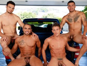 Quatro machos musculosos chupando muita rola na caminhonete