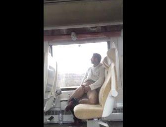 Morrendo de tédio dentro do trem, safado fez o que?