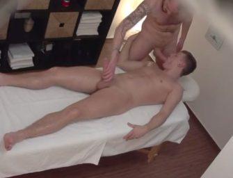 """Ninguém faz uma massagem como o """"Massagista Checo"""""""