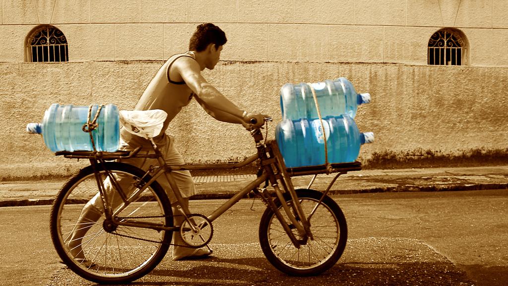 Entregador de Água