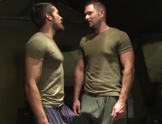 No meio do mato, militares não tem outra opção além de trepar gostoso