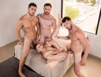 Puto é esfolado por quatro machos sem camisinha
