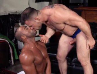 Titan Men: foda interracial, beijo gay, punheta e muito mais