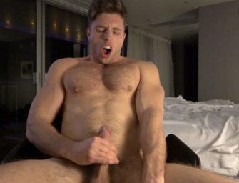 Maromba gay delicioso manda ver na academia e depois explode de porra