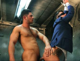 Dato Foland é um russo gay mafioso que impõe respeito com sua piroca
