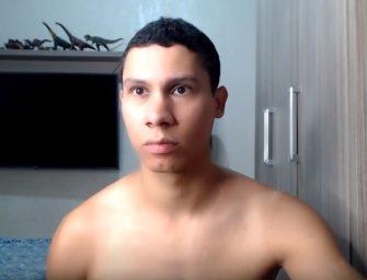 Igor, brasileiro safado e casado bate punheta até dar leite