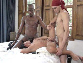 Meninos Online – Sexo Bareback – Léo Felipo, Henri Masé & Lucas Angel