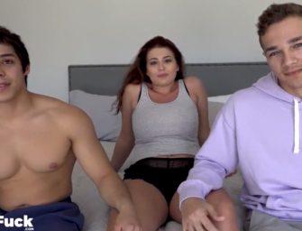 Garotos bisexuais trepam com racha e se fodem também