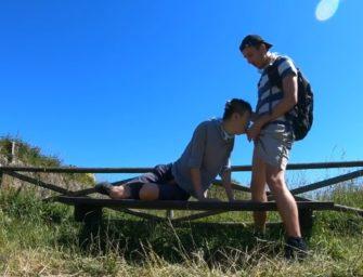 Japa chupa e dá o cu pra macho aventureiro no meio da trilha
