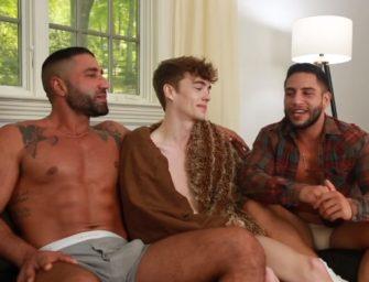 Novinho realiza sonho de dar para dois machos com força e na chapa