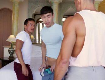 Primos foram flagrados pelo tio e tiveram que liberar o cu pra se safar